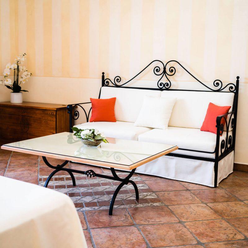 hotel-pozzo-sacro-olbia-camera-domus-2